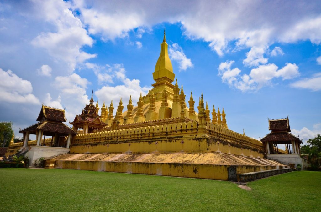Chrám Pha That Luang ve městě Vientiane v Laosu | kamui29/123RF.com