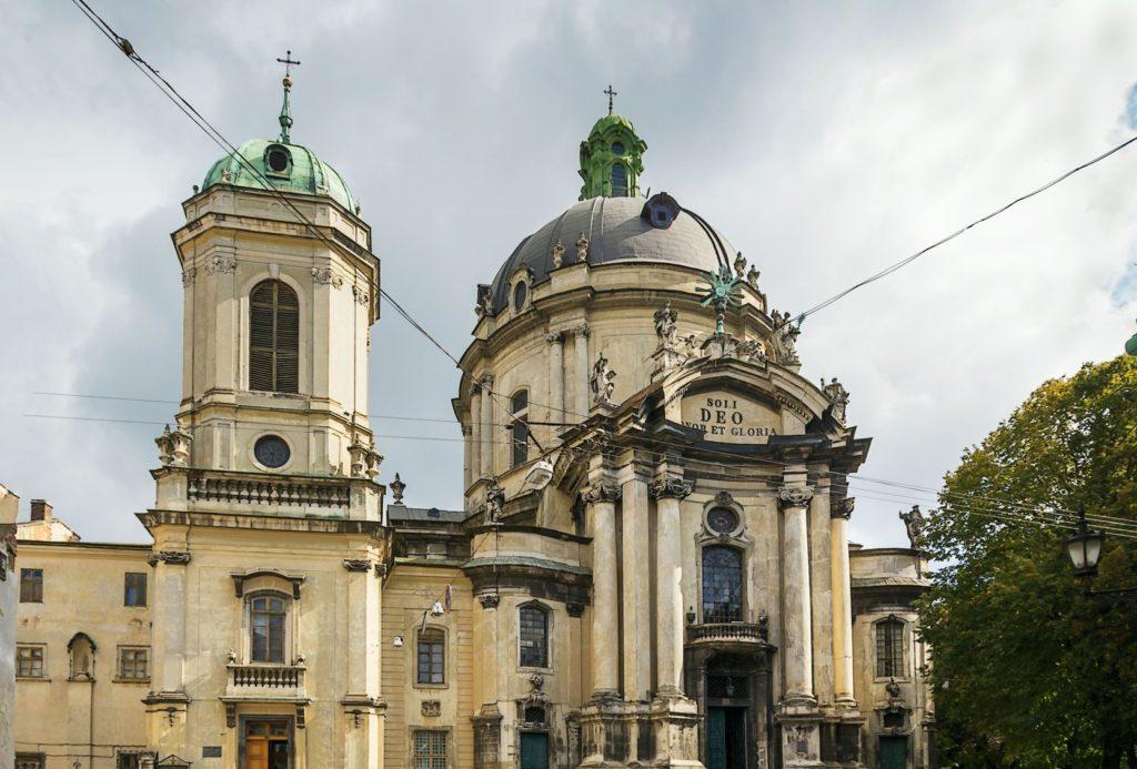 Dominikánský kostel a klášter ve Lvově | borisb17/123RF.com