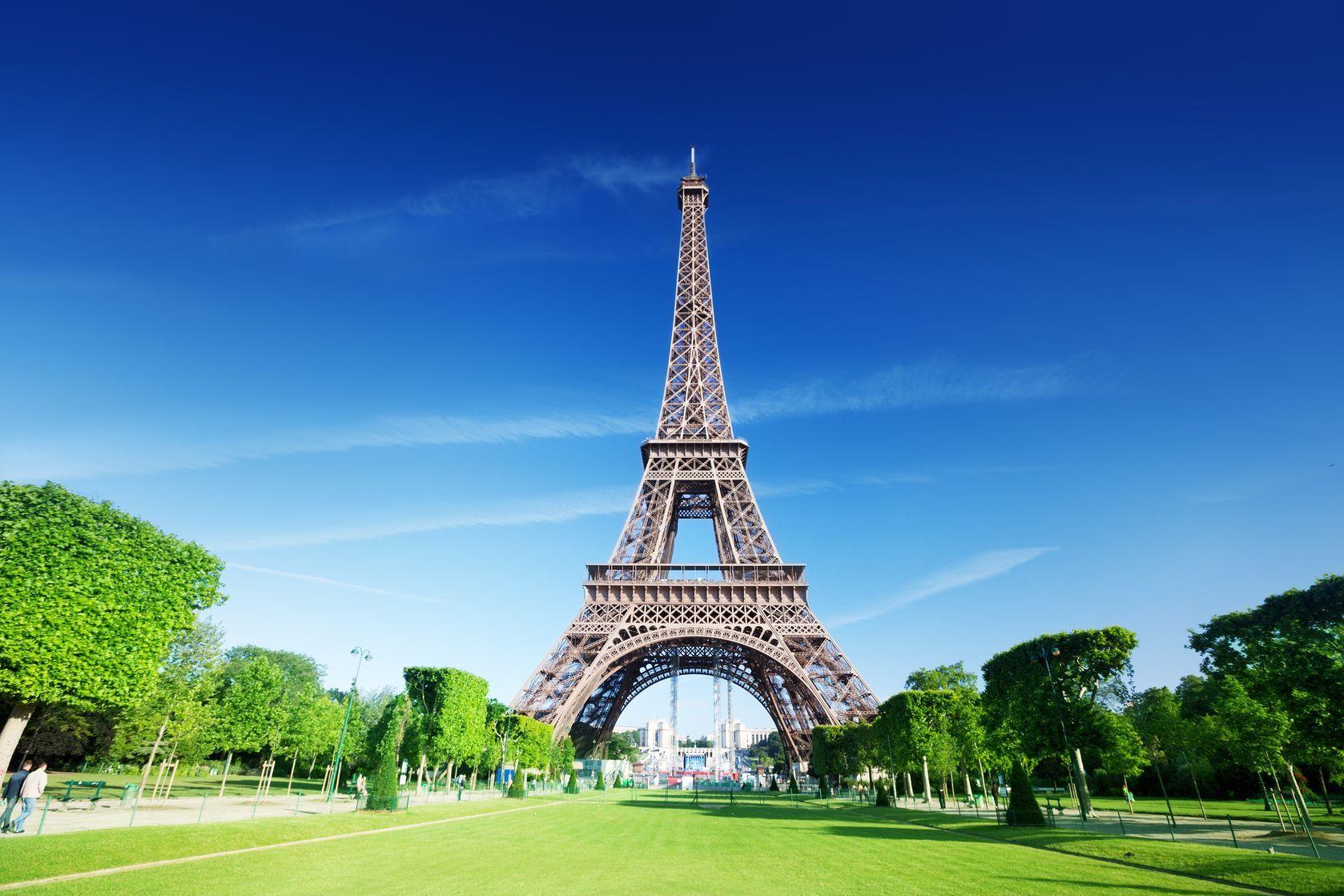 Eiffelova věž v Paříži   iakov/123RF.com