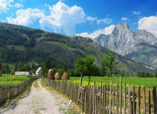 Horská krajina v Albánii | jahmaica/123RF.com
