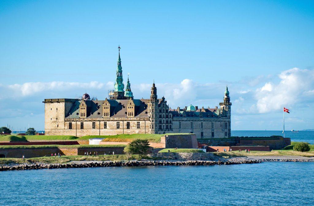 Hrad Kronborg ve městě Helsingor na ostrově Sjaelland | anderm/123RF.com