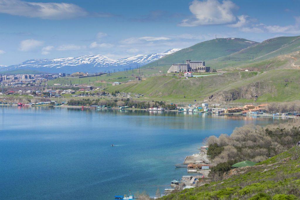Jezero Sevan v Arménii | prusaczyk/123RF.com