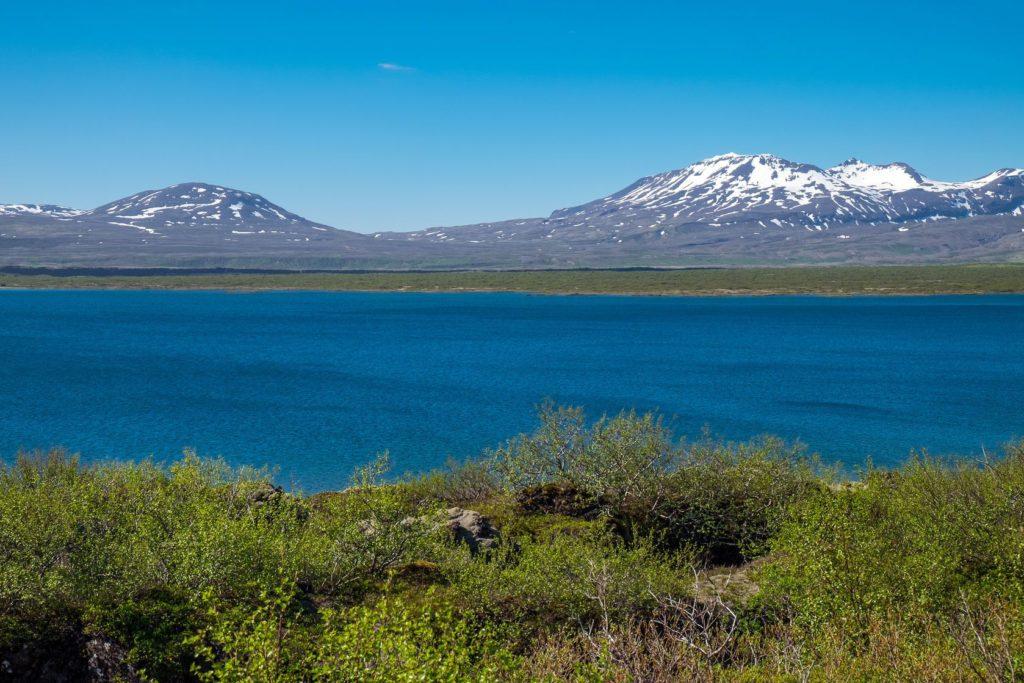 Jezero Þingvallavatn v Národním parku Þingvellir na Islandu | elxeneize/123RF.com