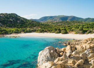 Krajina na italském ostrově Sardinie | elisalocci/123RF.com