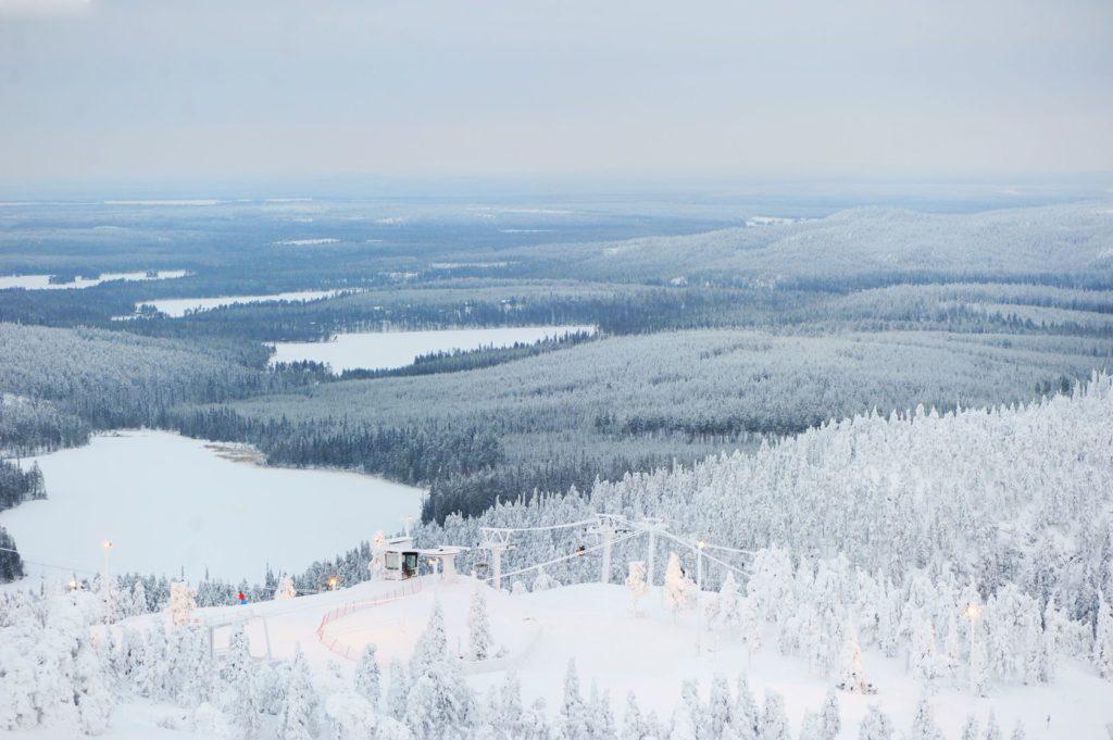 Krásný výhled na finskou krajinu v Laponsku | alinute/123RF.com