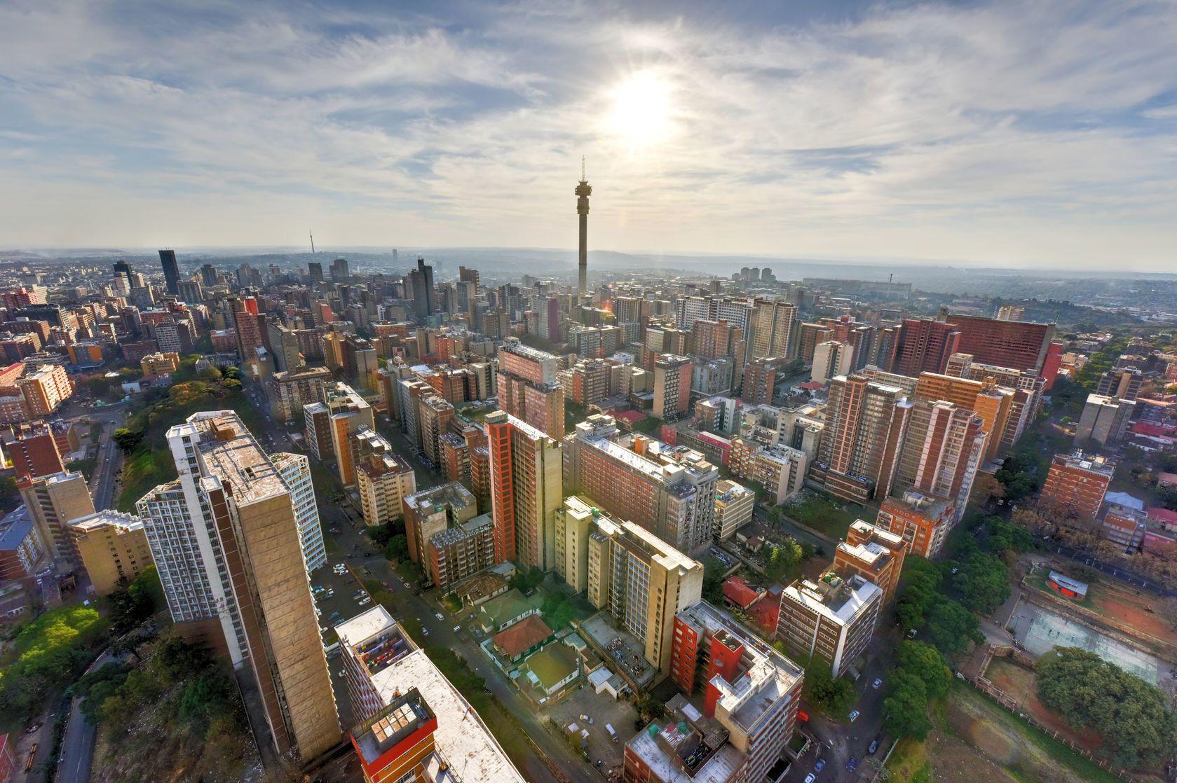 Letecký pohled na Johannesburg v Jižní Africe | demerzel21/123RF.com