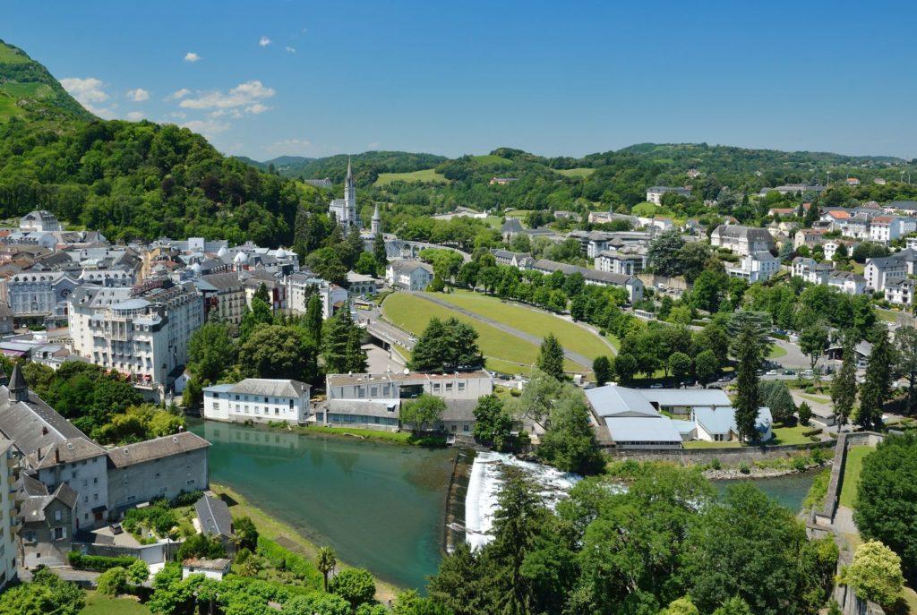 Město Lurdy ve Francii | olegmit1/123RF.com