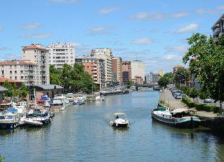 Město Toulouse a řeka Garonna | olegmit1/123RF.com