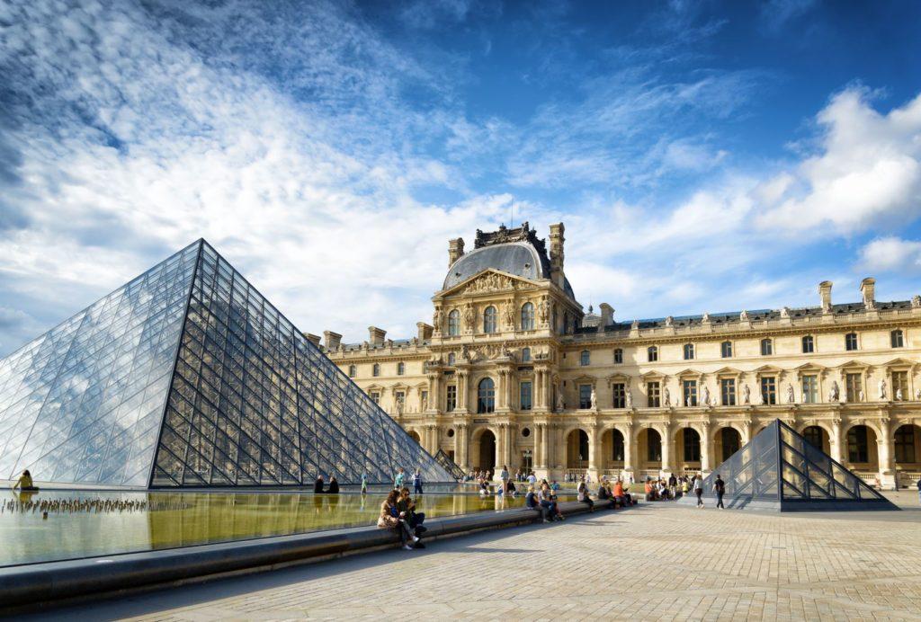 Muzeum Louvre v Paříži | efired/123RF.com