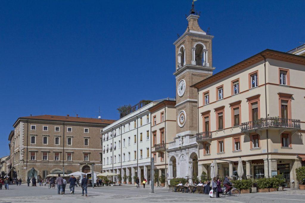 Náměstí Tří mučedníků v Rimini | tini/123RF.com
