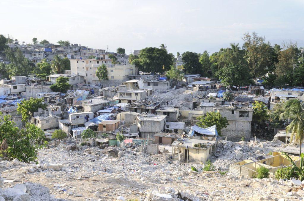 Následky zemětřesení v Port-au-Prince na Haiti | arindambanerjee/123RF.com