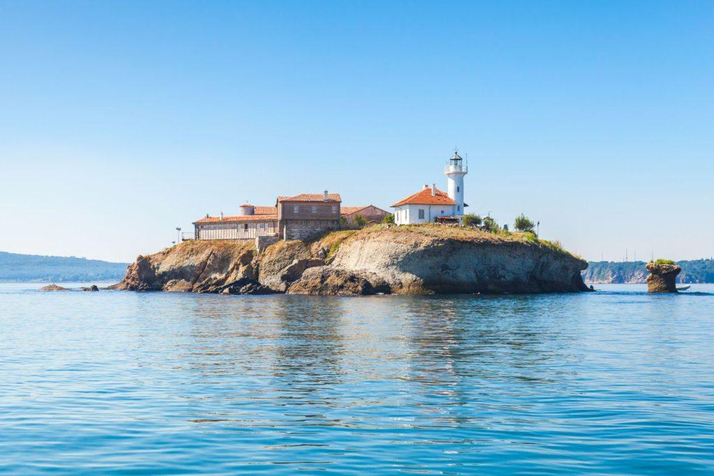 Ostrov svaté Anastázie v Burgasu | eugenesergeev/123RF.com