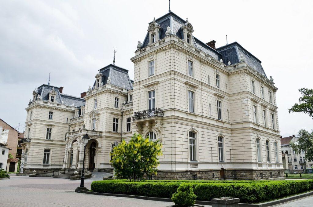 Palác Potockých ve Lvově | dmitrydesigner/123RF.com