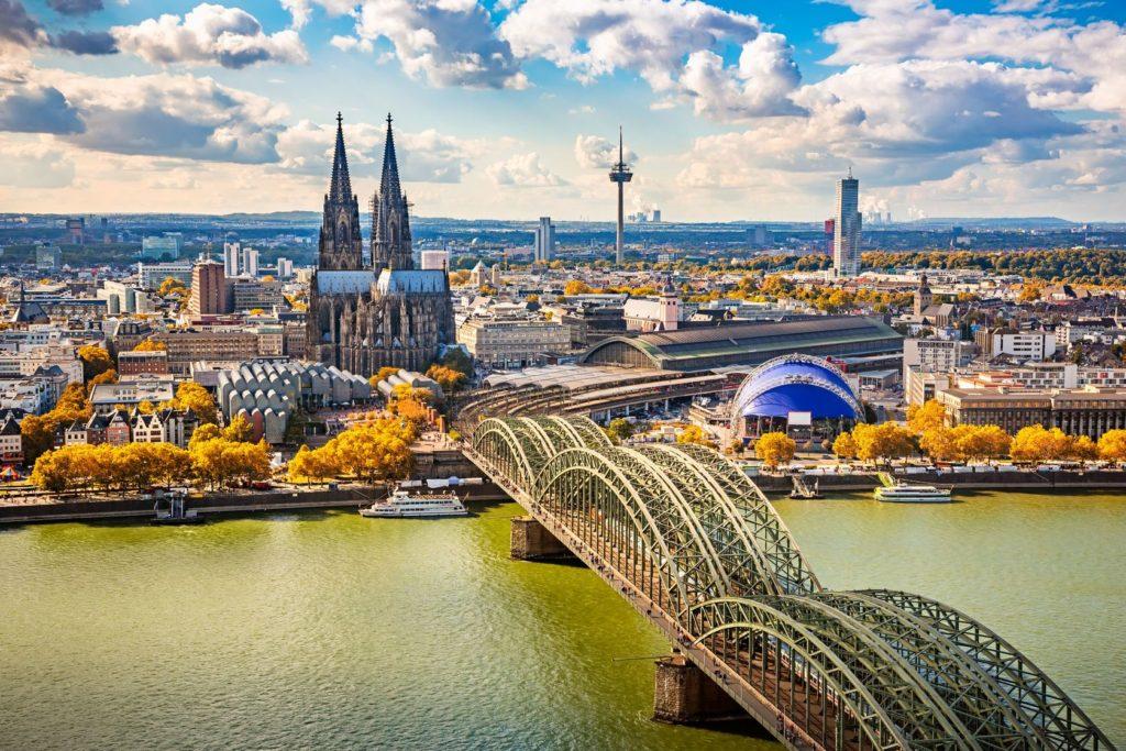 Panorama Kolína nad Rýnem v Německu | sborisov/123RF.com