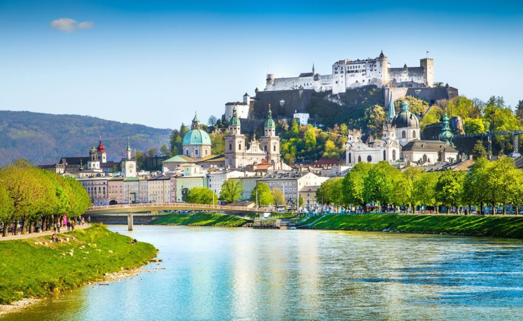 Panorama rakouského města Salzburg | jakobradlgruber/123RF.com