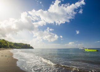 Pláž na ostrově Dominika | fotogestoeber/123RF.com