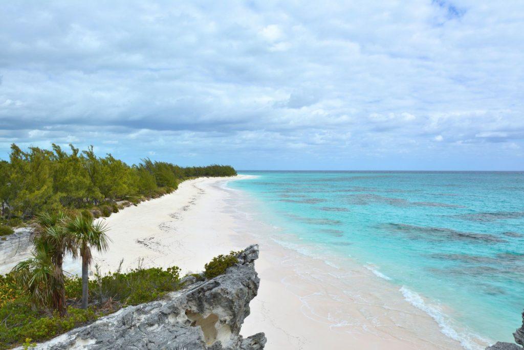 Pláž na ostrově Eleuthera na Bahamách | studiobarcelona/123RF.com