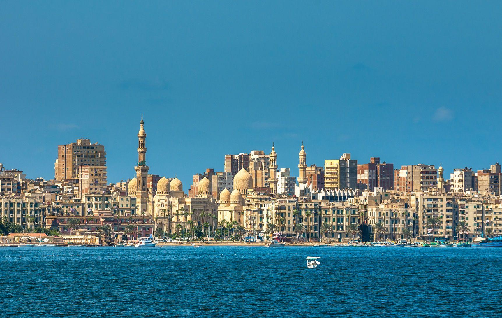 Pohled na přístav egyptské Alexandrie | javarman/123RF.com