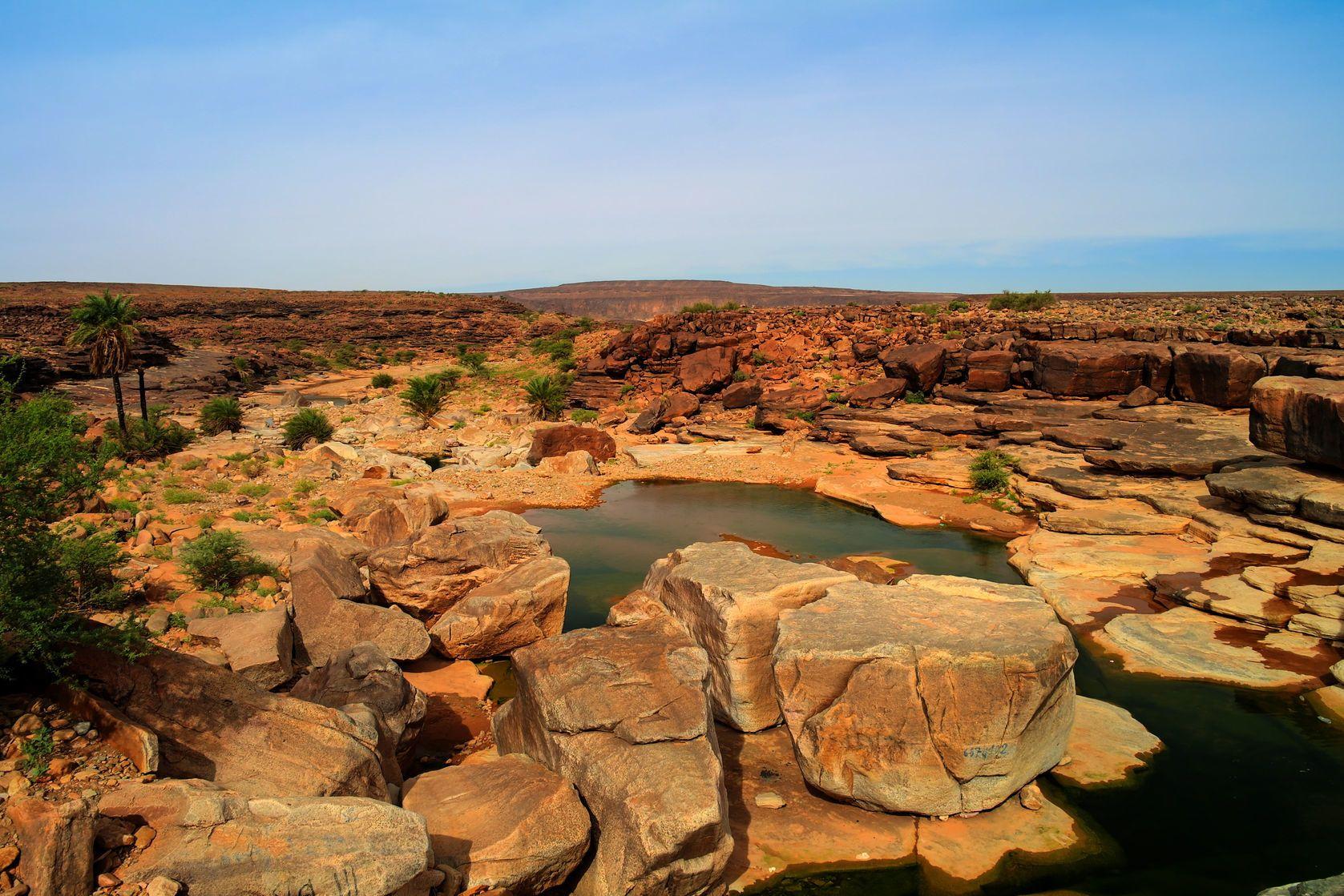 Pouštní krajina v Mauritánii | homophoticus/123RF.com