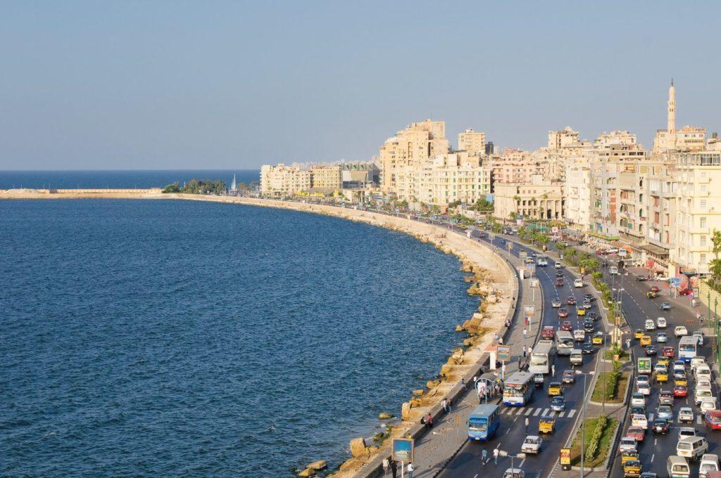 Promenáda Corniche na pobřeží Alexandrie | javarman/123RF.com