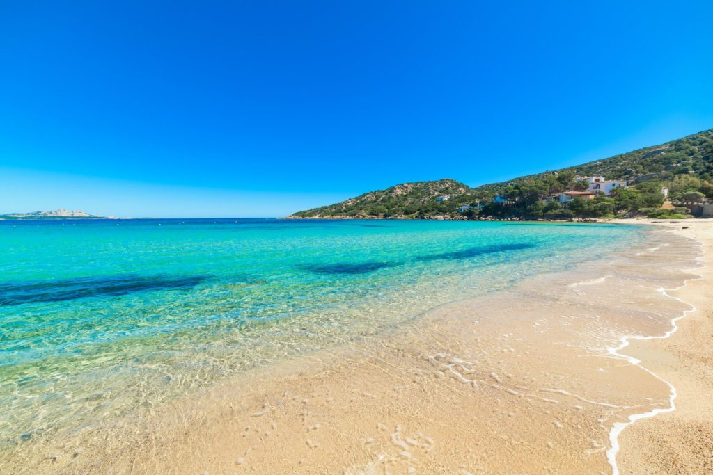 Smaragdové pobřeží na Sardinii | alkanc/123RF.com