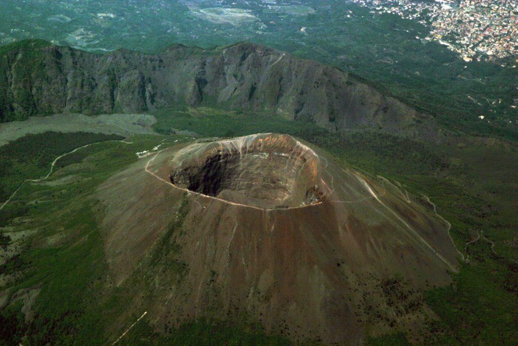 Sopka Vesuv v okolí Neapole | genlady/123RF.com