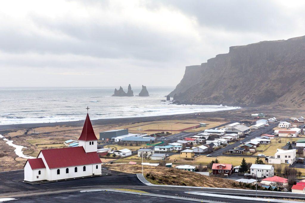 Vesnice Vík í Mýrdal na Islandu | vichie81/123RF.com