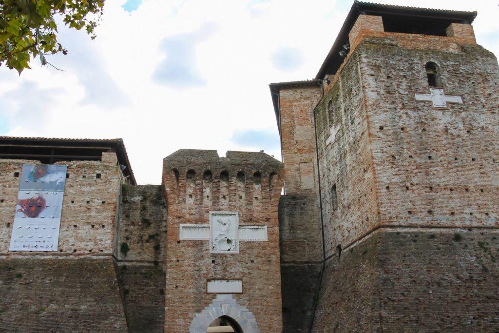 Vojenské opevnění Castel Sigismondo v Rimini | nicknick/123RF.com