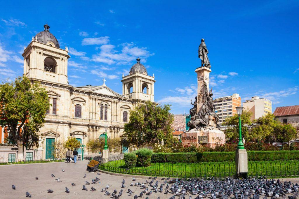 Katedrála Panny Marie Královny míru na Náměstí Murillo v La Paz | saiko3p/123RF.com