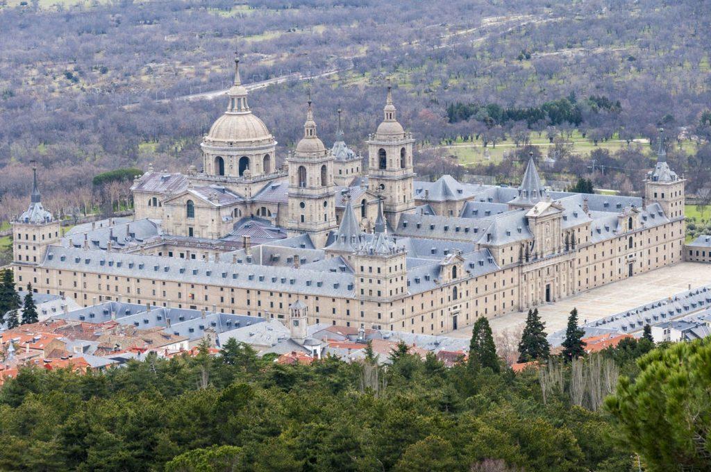 Královský klášter El Escorial ve Španělsku | albertoloyo/123RF.com