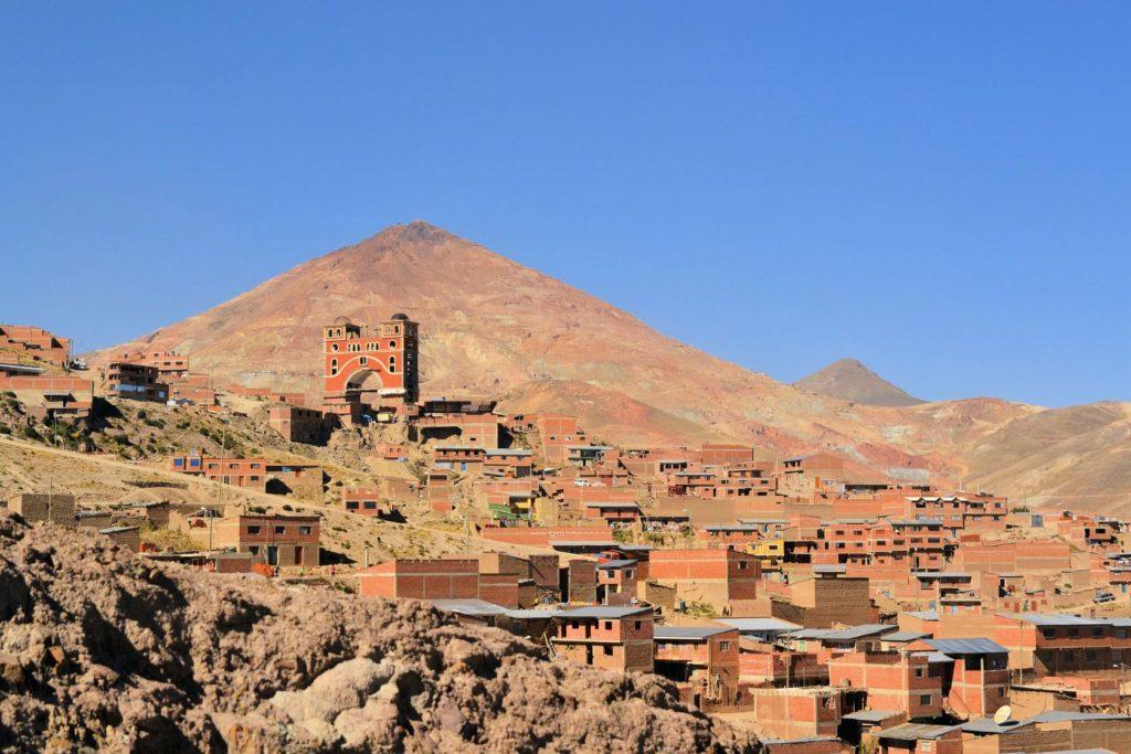 Město Potosí a hora Cerro Rico v Bolívii | flocu/123RF.com
