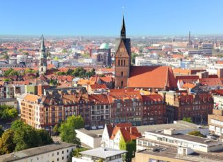 Panoramatický pohled na město Hannover | zoomzoom/123RF.com