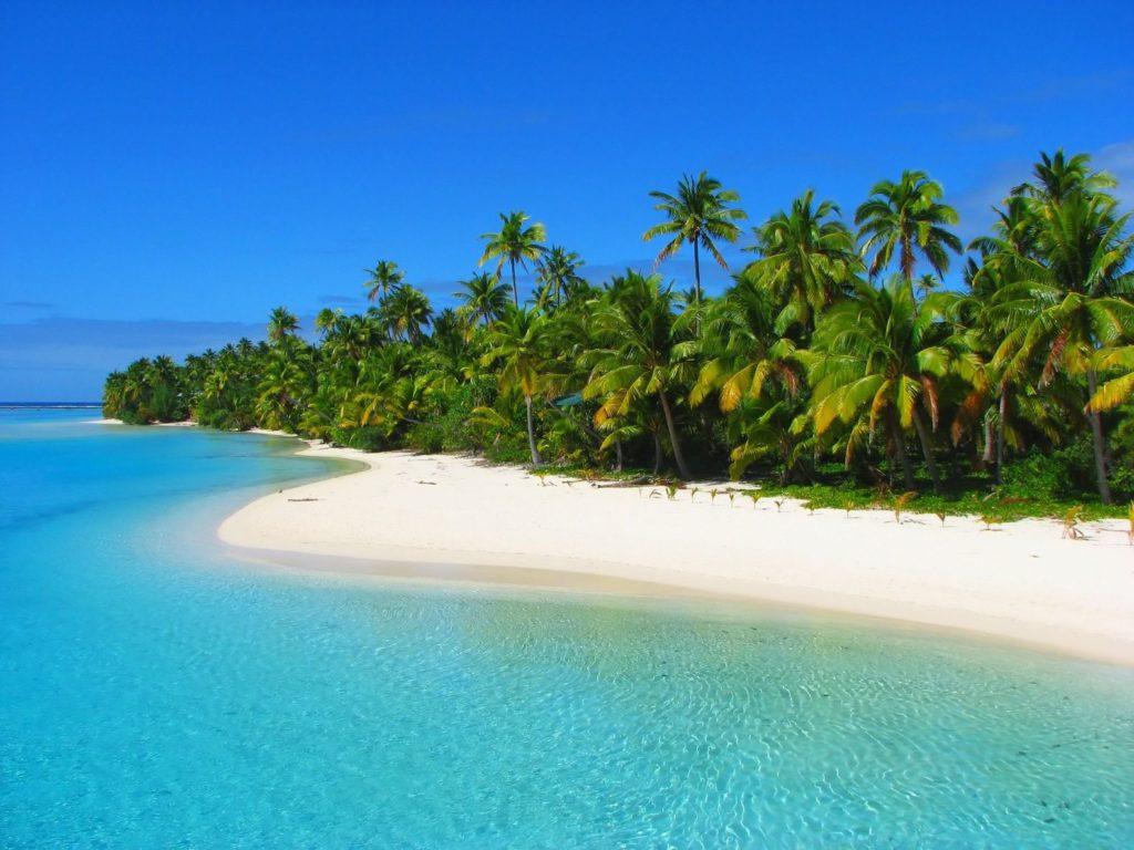 Pobřeží ostrova Aitutaki na Cookových ostrovech | inikep/123RF.com