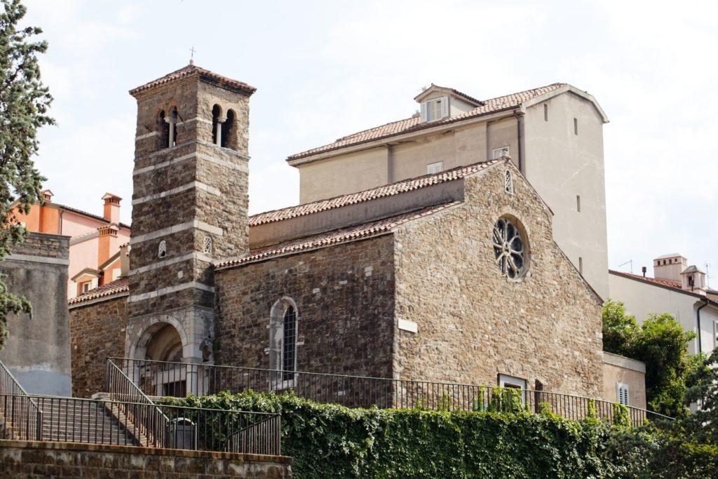 Bazilika San Silvestro v Terstu | bepsphoto/123RF.com