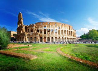 Koloseum v italském Římě   iakov/123RF.com
