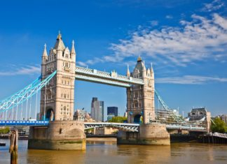 Londýnský Tower Bridge | sborisov/123RF.com
