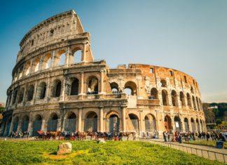 Koloseum v Římě | sborisov/123RF.com